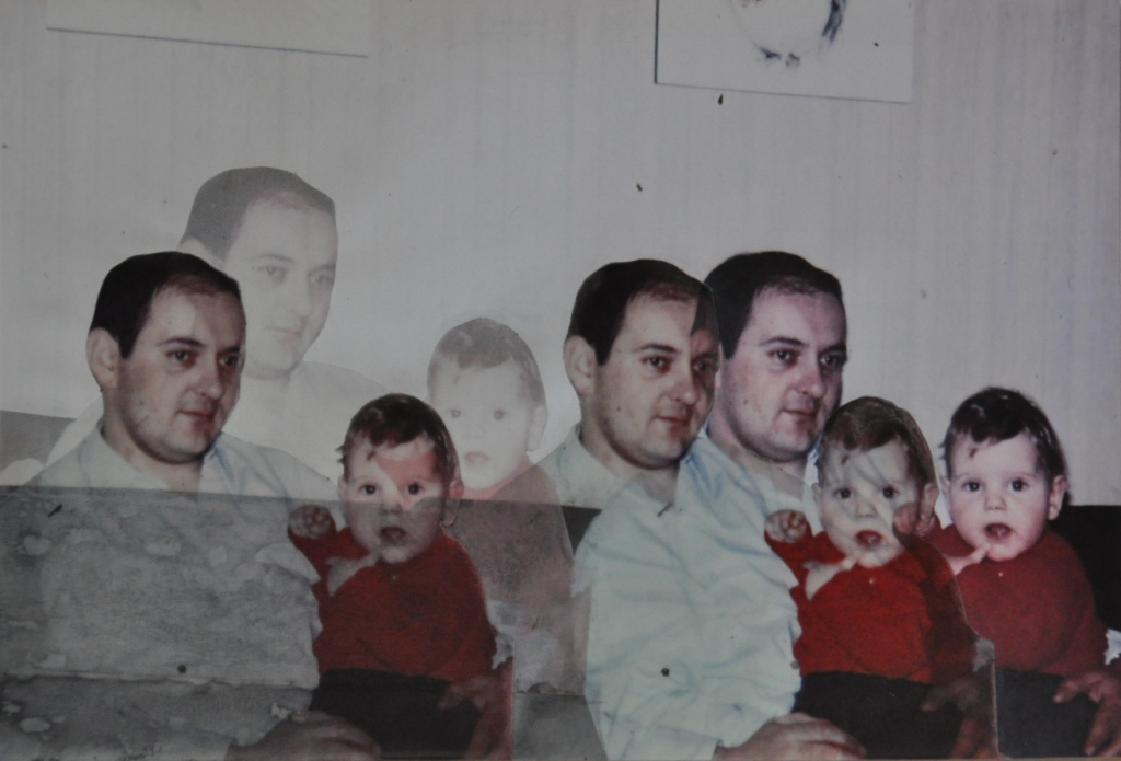 Vater und Tochter, bedrucktes Transparentpapier auf Papier, 29 x 19,5